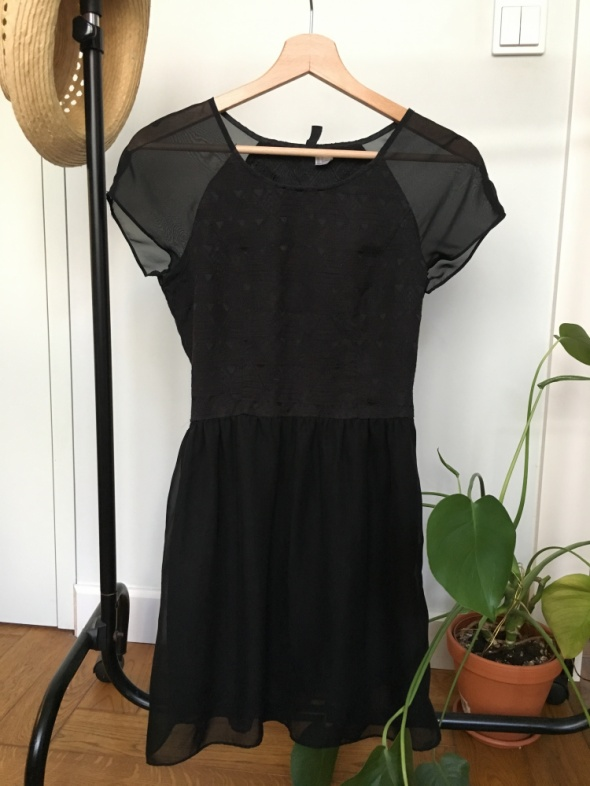 Czarna letnia sukienka...