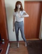Spodnie cygaretki...