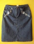 jeansowa spódnica z haftem...