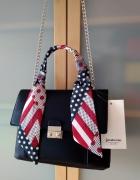 Nowa stylowa czarna torebka z ozdobną kolorową apaszką Stradiva...