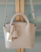 Nowa jasnobeżowa torebka z baranka Stradivarius...
