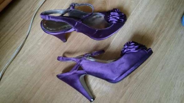 Fioletowe sandały szpilki satyna 38