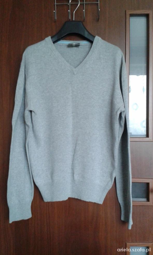 Szary dzianinowy sweter