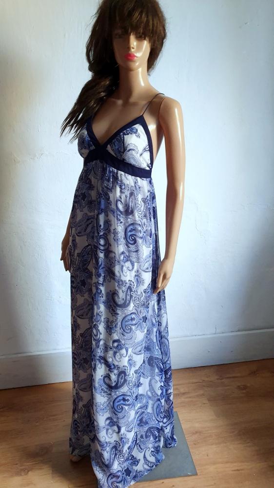 Zwiewna sukienka maxi r M