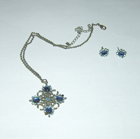 niebieski komplet kwiatki...