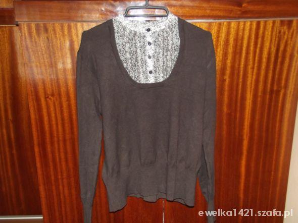brązowy sweter z kołnierzykiem
