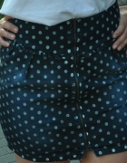 jeansowa spódnica w kropki...