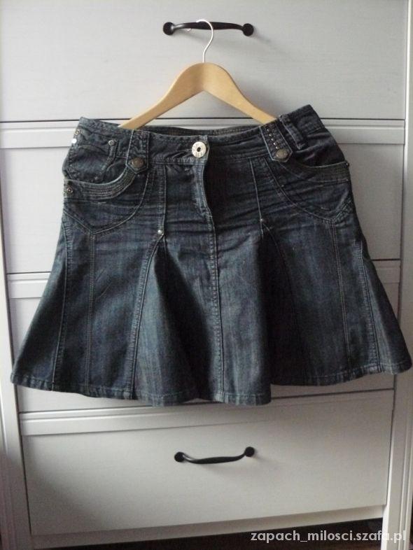 Spódnica dżinsowa rozkloszowana