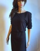 Czarna sukienka midi r XS...