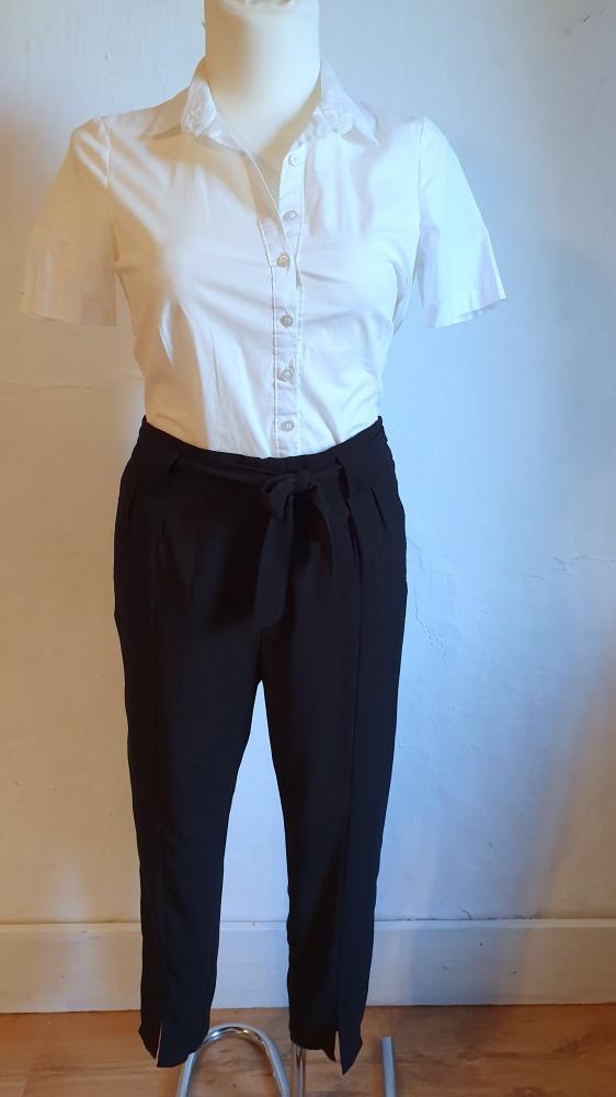 Spodnie Czarne eleganckie spodnie r 40