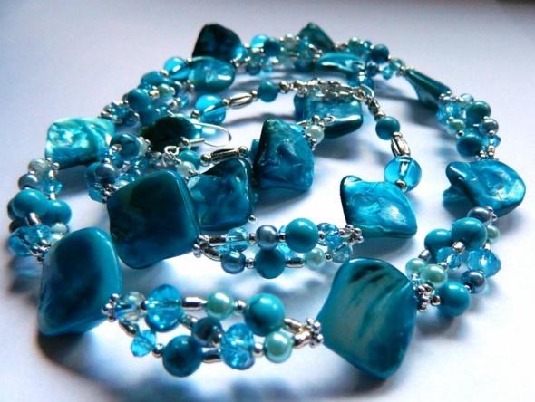 Niebieski komplet biżuterii 3 elementy...