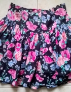 xs s krótka czarna spódniczka w różowe kwiaty...