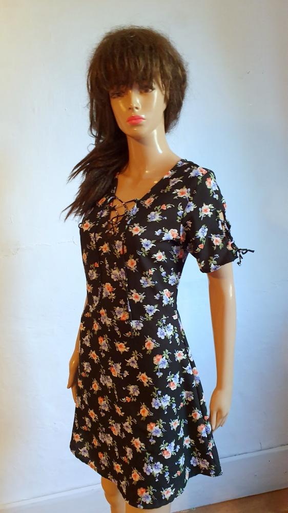 Sukienka na krótki rękawek r S...