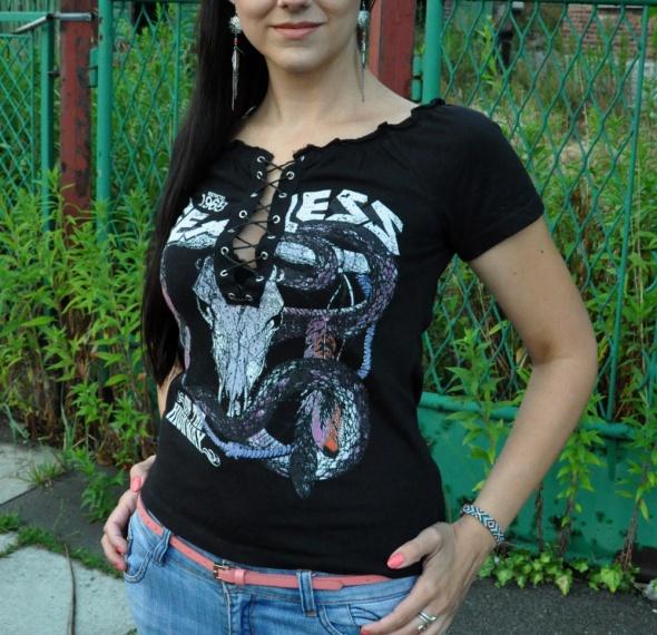 rockowa koszulka z wiązaniami...