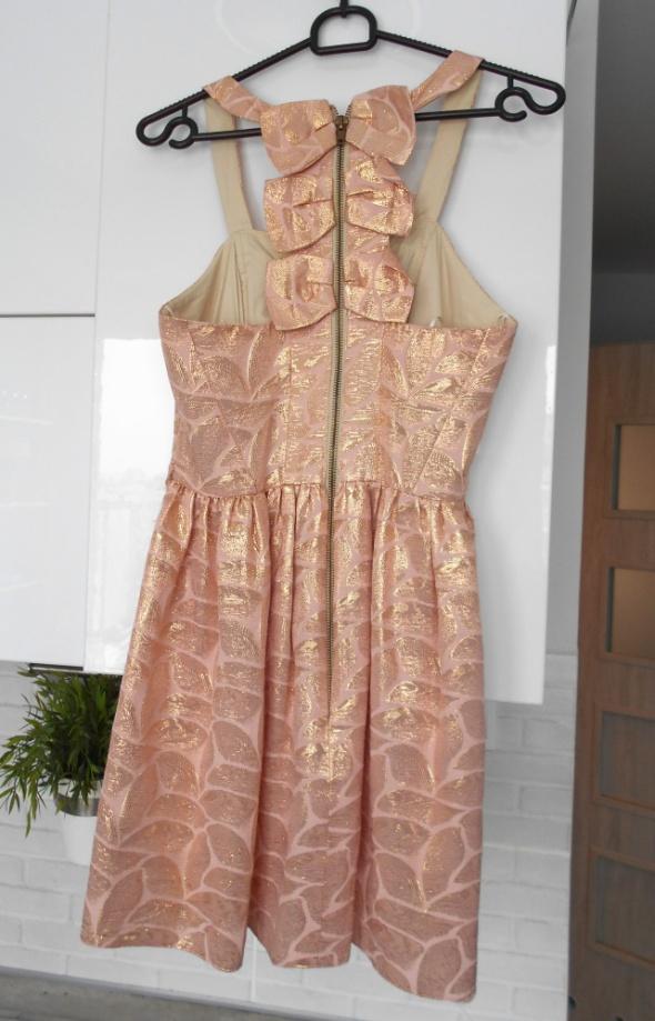 Suknie i sukienki River Island sukienka pudrowa złota nitka wesele kokardki