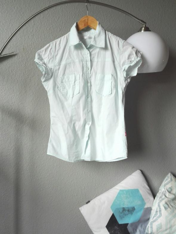 Miętowa koszula...