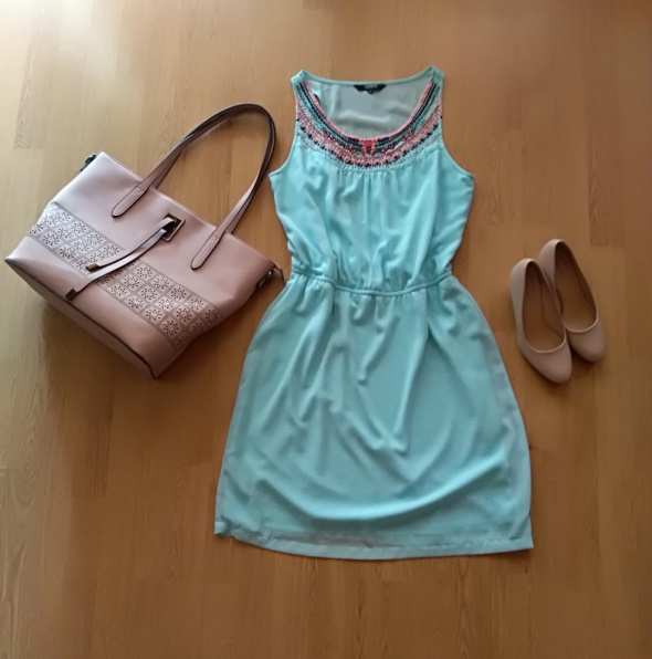 Błękitna sukienka RESERVED 40...