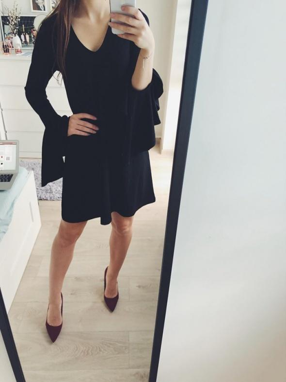 czarna sukienka asos falbanki...