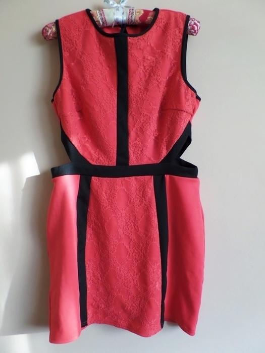 Sukienka czerwona koronka z wycięciami atmosphere 44...