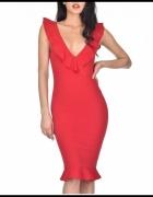 Czerwona ołówkowa sukienka midi na wesele z efektownym głębokim...