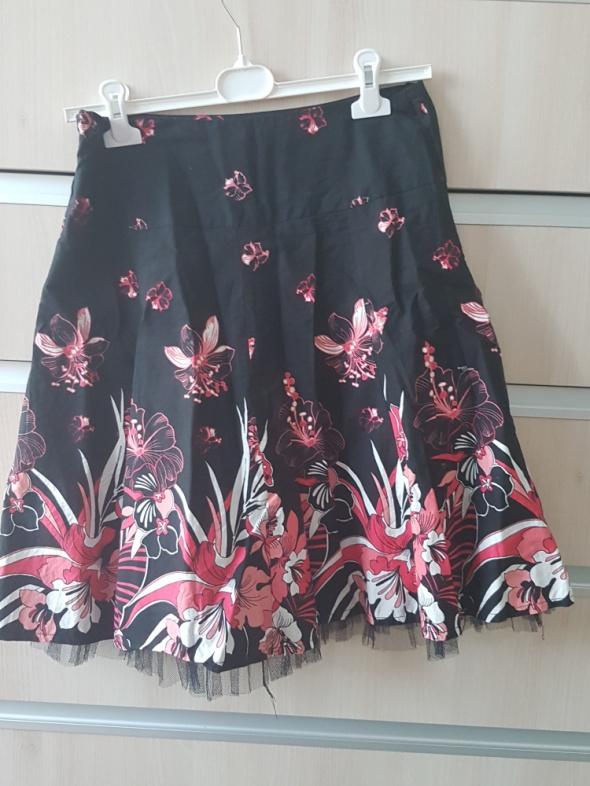 spódnica czarna kwiaty