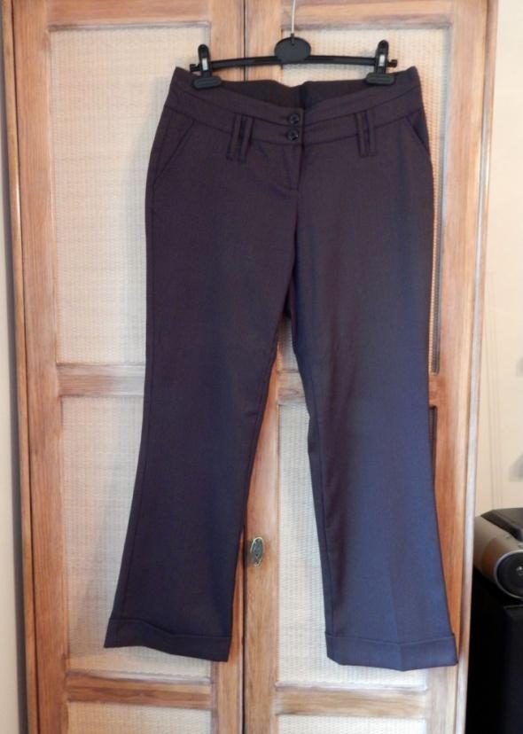 Do biura Kostium damski kamizelka i spodnie 4042...