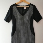Czarna elegancka dopasowana sukienka Next 38 M