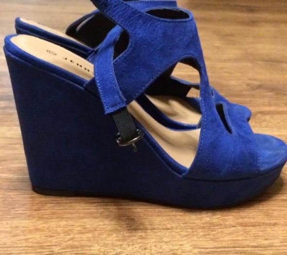 Koturny Niebieskie sandały 37 na koturnie