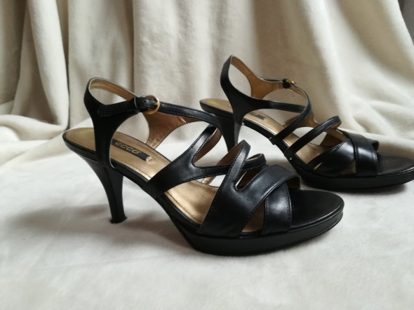 Ecco sandały wieczorowe szpilki