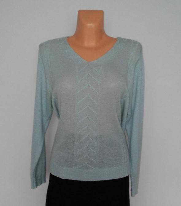 Klasyczny swetere w serek damski ażurowy błękitny...