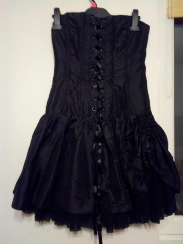 Gotycka czarna gorsetowa sukienka
