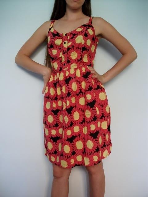 Sukienka w kwiaty na ramiączkach do kolan L na lato w czerwone słoneczniki