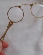 Stare zabytkowe okulary do opery
