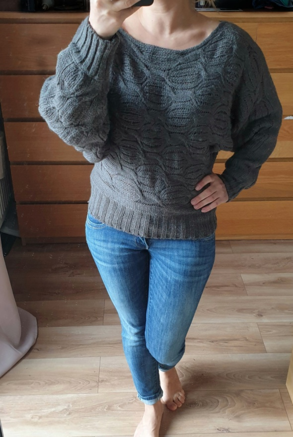 RESERVED grafitowy sweterek S...