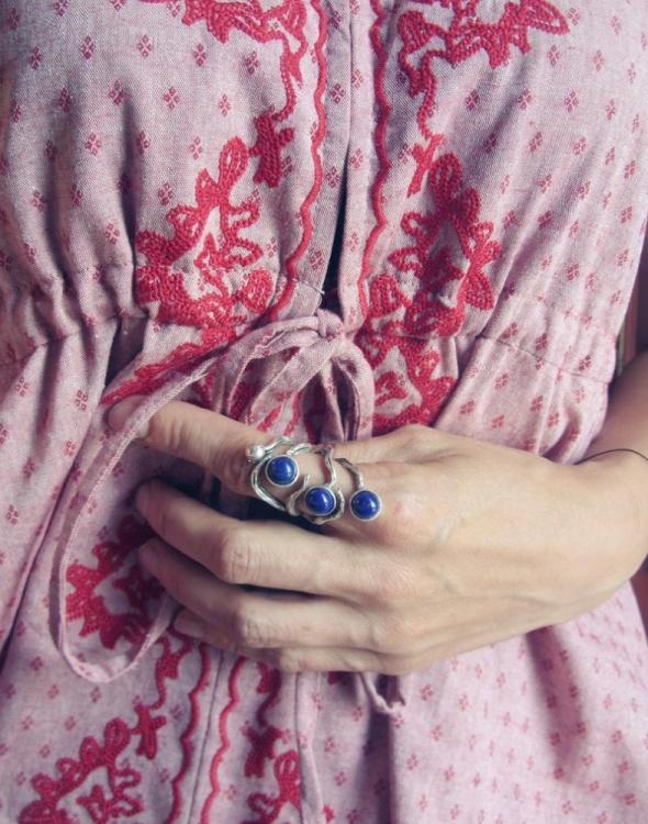 Masywny pierścionek z lapisem lazuli gałęzie...