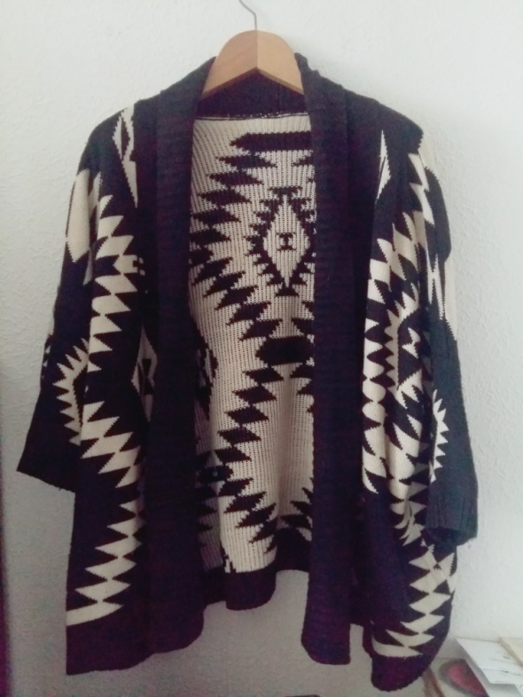 Biało czarny kardigan narzutka kimono oversize...