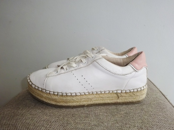 Trampki BERSHKA białe buty sportowe CREEPERSY roz 35