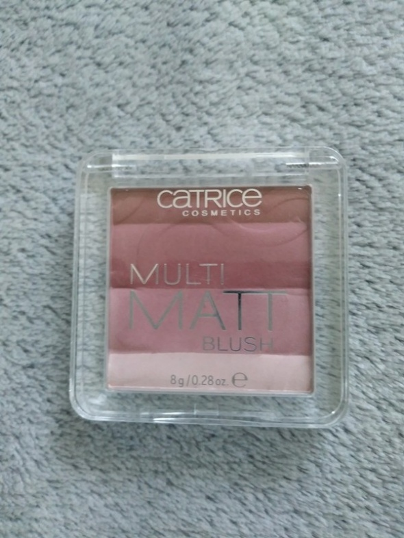 Matowy róż Multi Matt Catrice 020 la lavender...