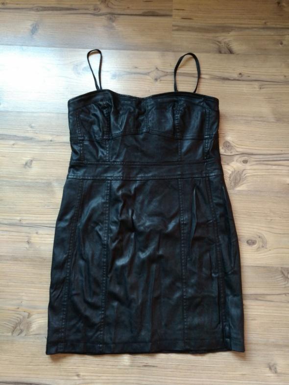 Eko skóra piękna sukienka rozmiar L