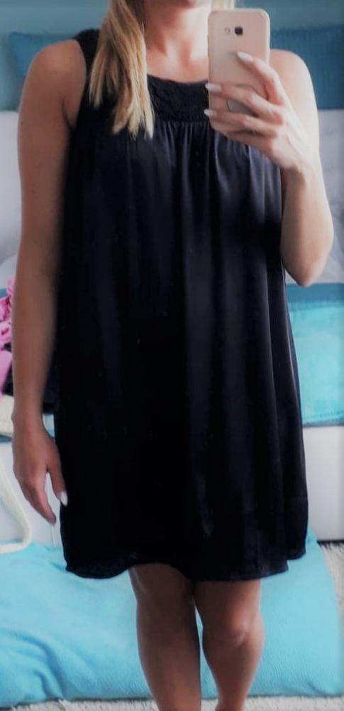Piękna czarna satynowa sukienka Vero Moda M...