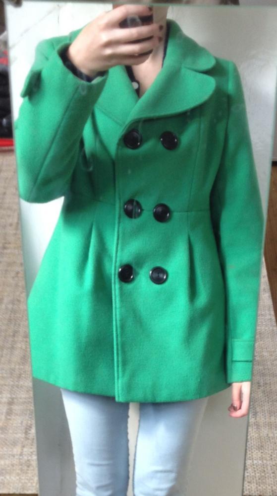 Plaszcz zimowy zielony m 38 guziki czarne kolnierz elegancki...