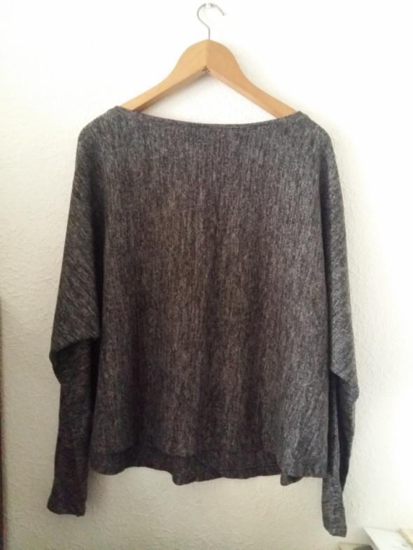 Szary sweter L M jesienny