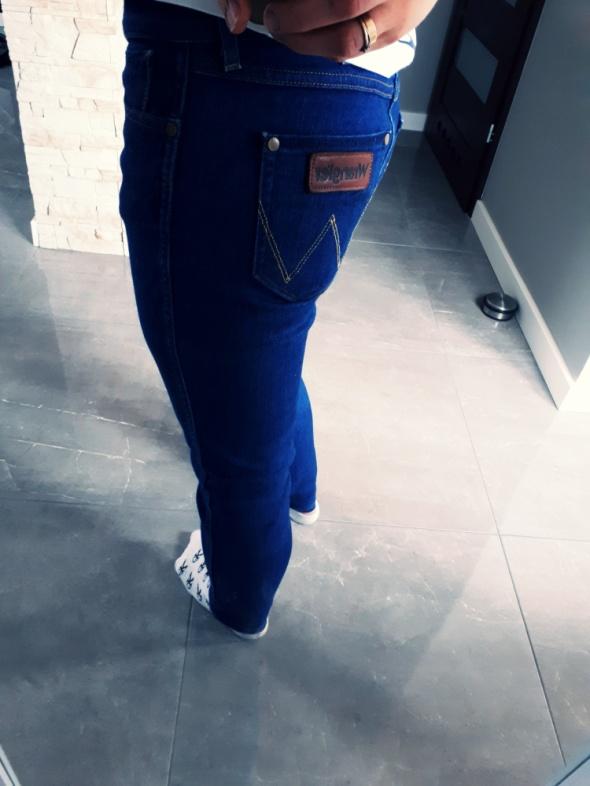 Super spodnie Jeansy Wrangler