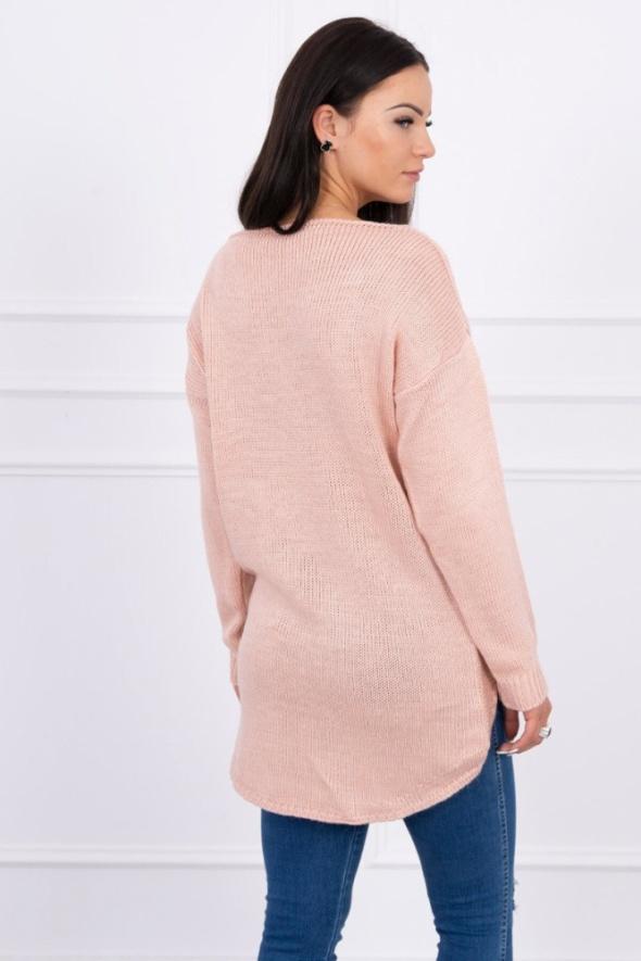 Sweter z dłuższym tyłem...