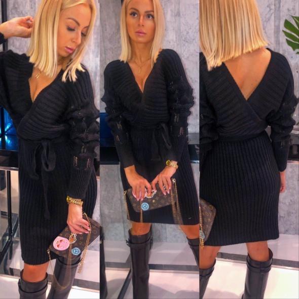 Dzianinowa czarna sukienka