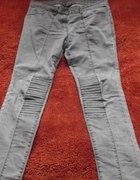 jeansowe tregginsy z przeszyciami...