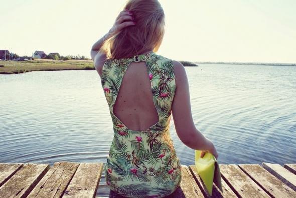 Sukienka w flamingi S
