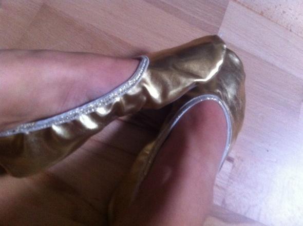 Baletki złote...
