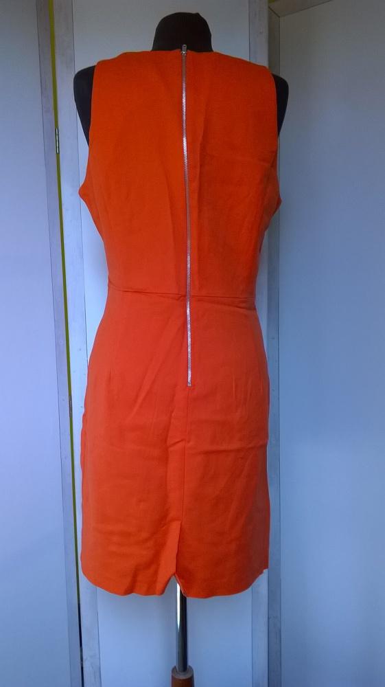 Sukienka bez rękawów...