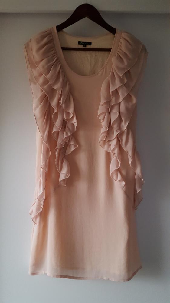 Sukienka pudrowa różowa falbanki River Island 36